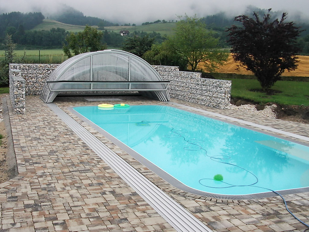 Sichtschutz am pool for Pool design company polen